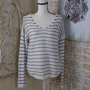 SO NWT Lightweight knitted striped vneck sweater